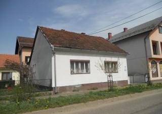 Porodična kuća u Kostajnici